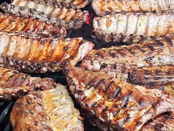 Comida en grupo en Abadín