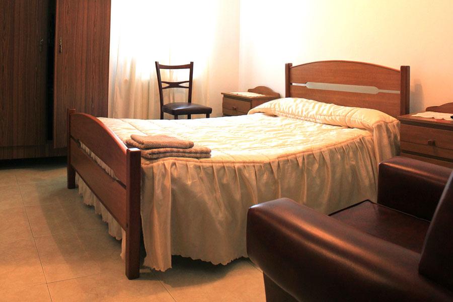 Habitación doble del Restaurante Niza en Abadín